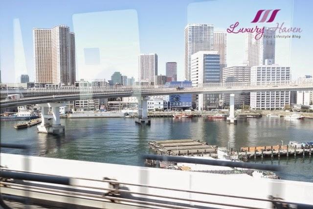 odaiba beautiful views from yurikamome train