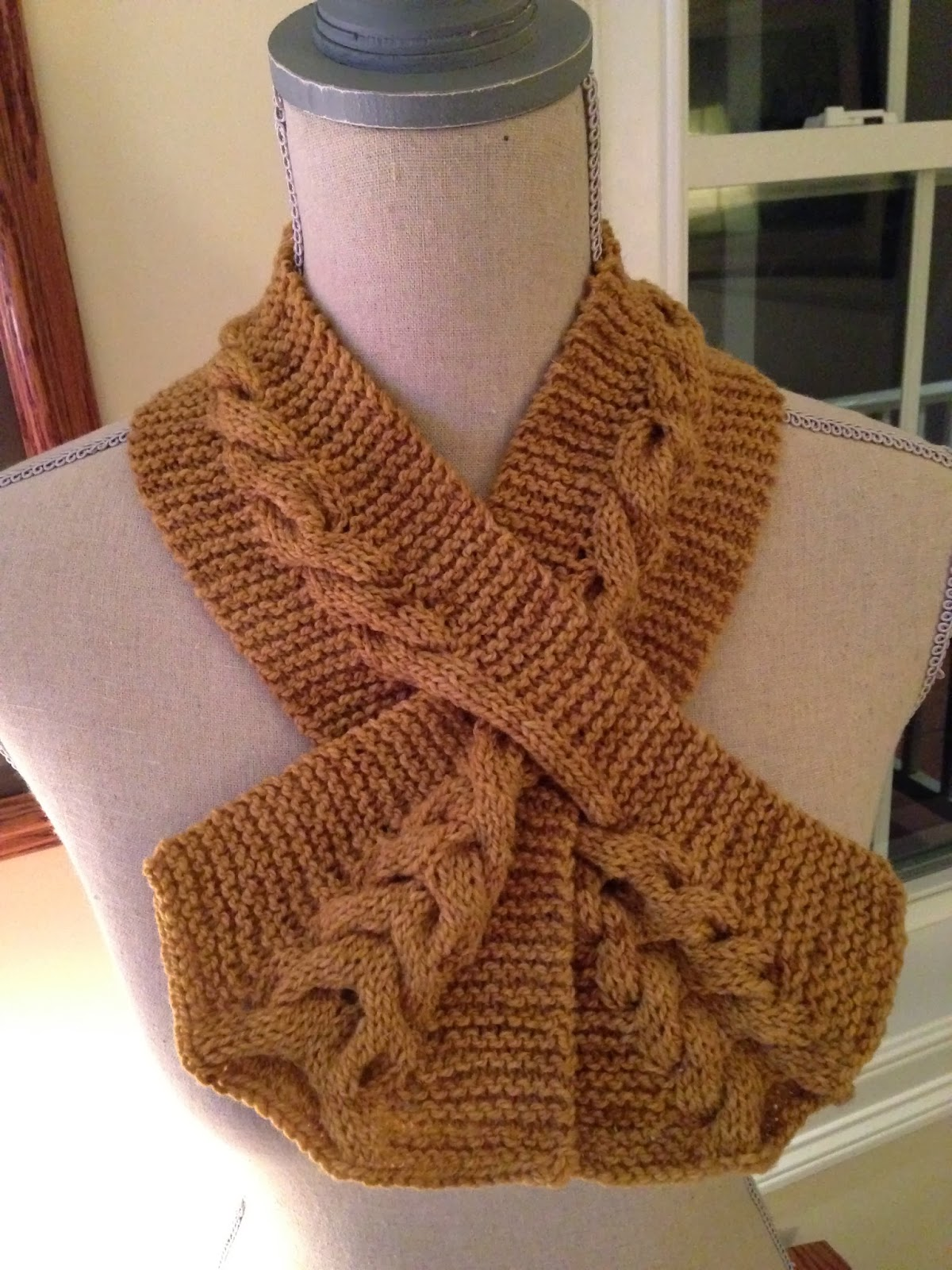 Celtic Heart Knitting and Quilting: Cabled Keyhole Scarf