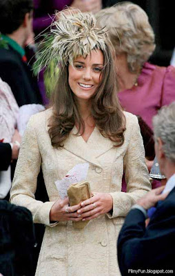 kate_middleton_at_the_wedding_of_Laura_Parker_Bowles_and_Harry_Lopes_FilmyFun.blogspot.com