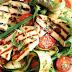 Δροσερή σαλάτα με χαλούμι, κολοκυθάκια και ντοματίνια