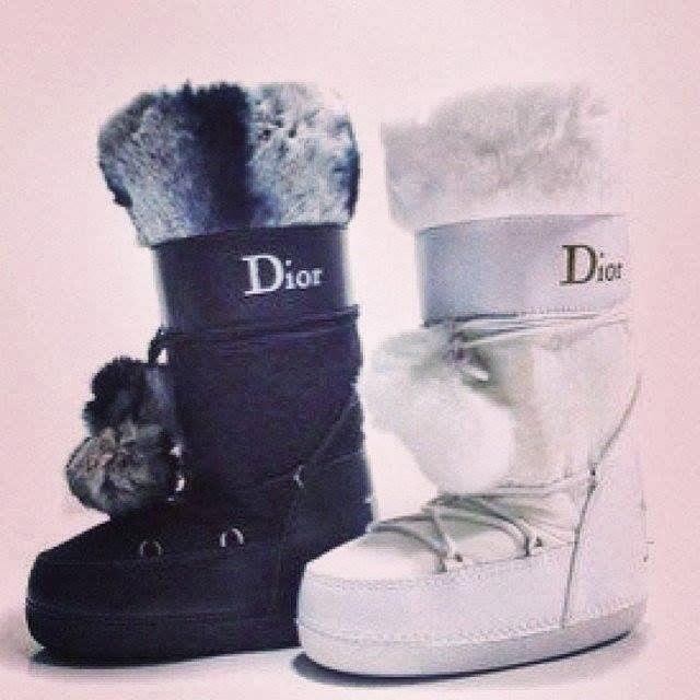 Fur boots,Jacket.Clik pe poza pentru poze