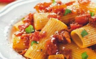Receta Macarrones tomate beicon