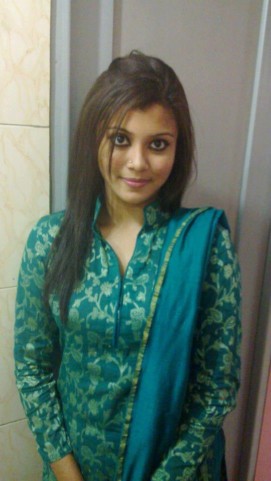 New Salwar Kameez for Girls