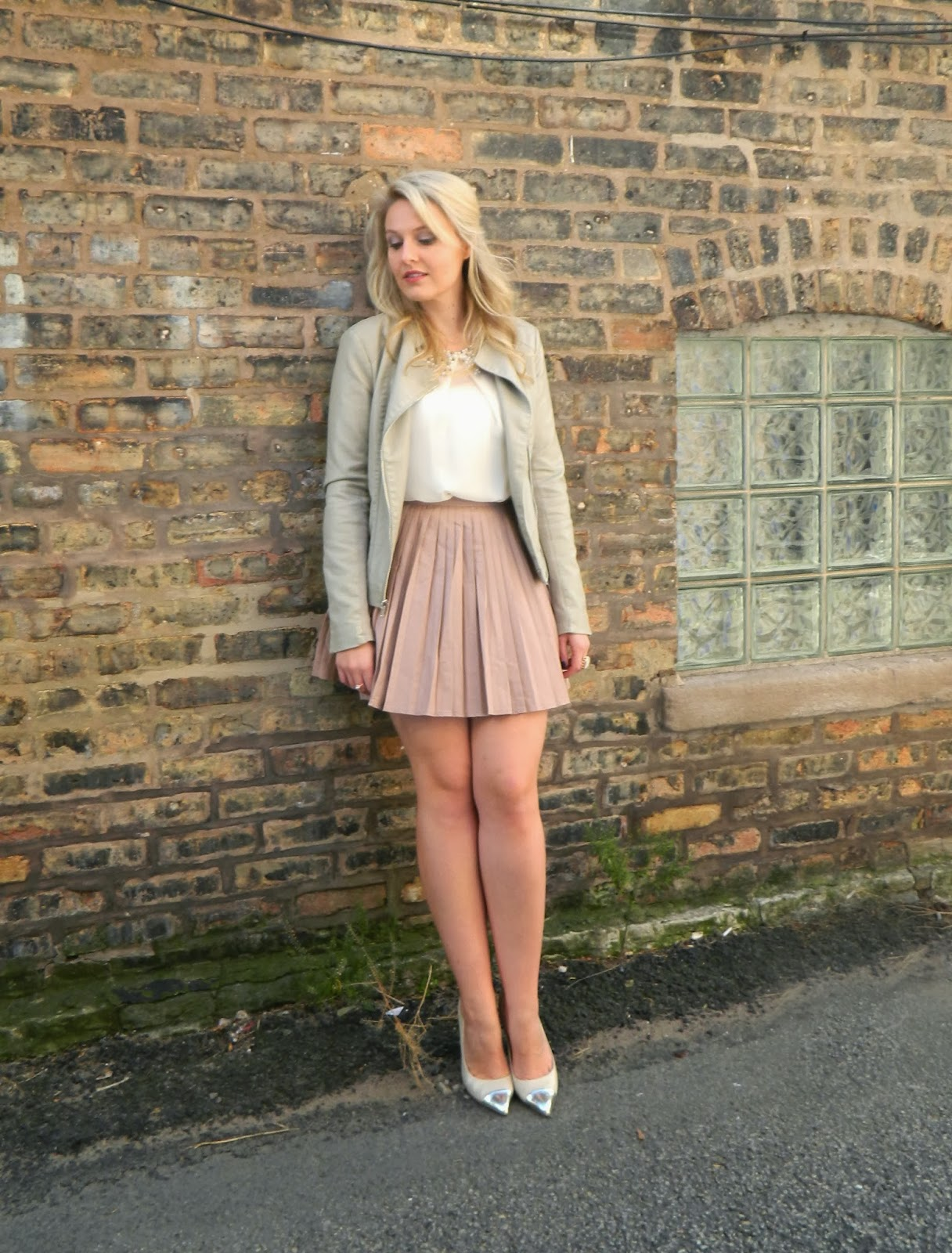 leather skirt, blush tone for fall, fall trends, fall outfits, leather for fall