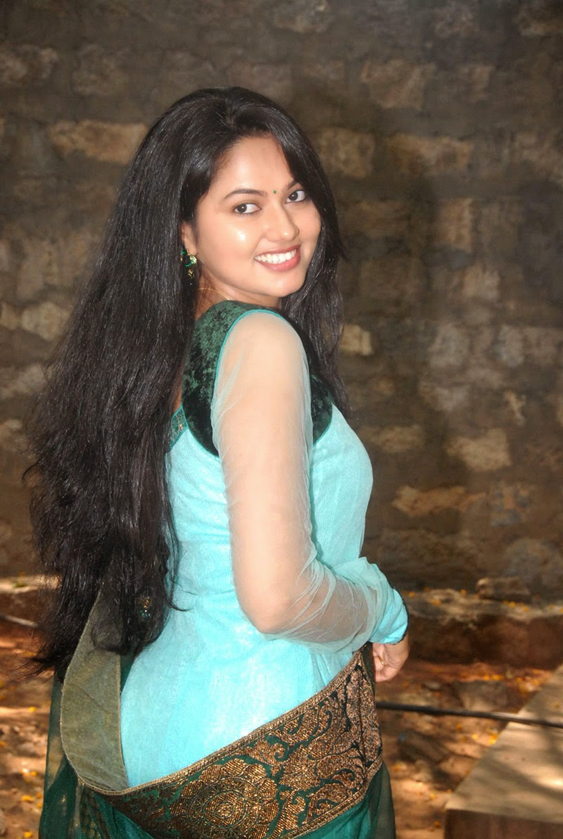 TV ACTRESS Suhasini New Photo