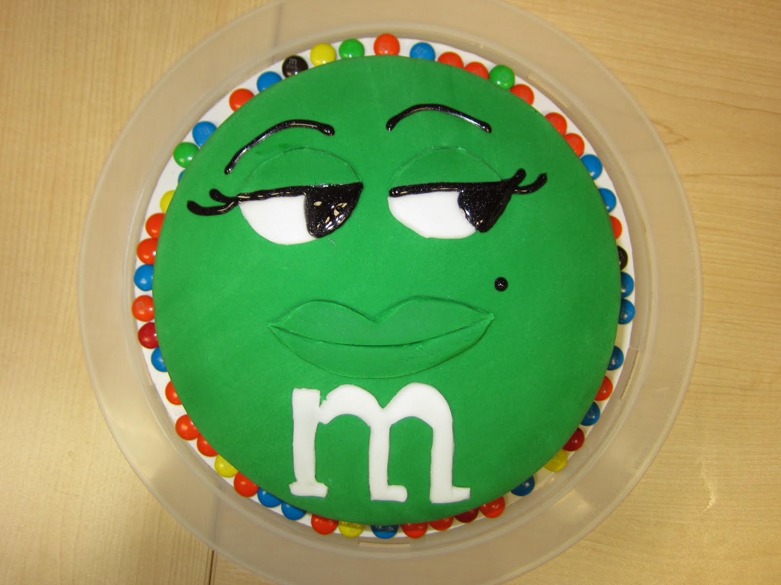 SABtabulous Cakes Green MM Cake