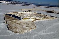 Крепость Пор-Бажын и замерзшее озеро Тере-Холь