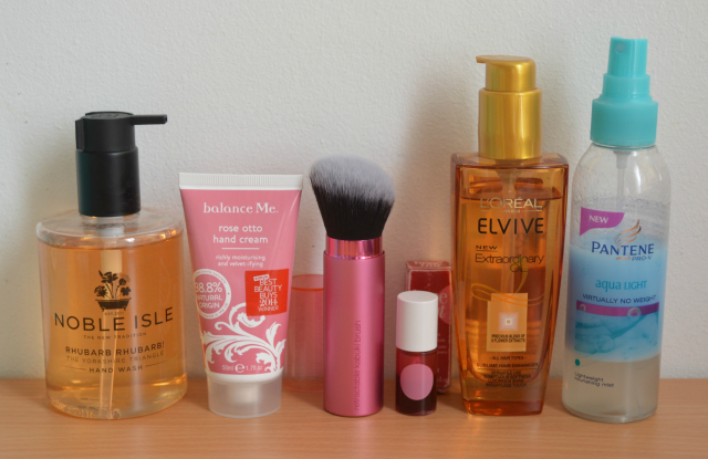 Noble Isle, Balance me, Real techniques, Benefit benetint, L'oreal, Pantene aqua light