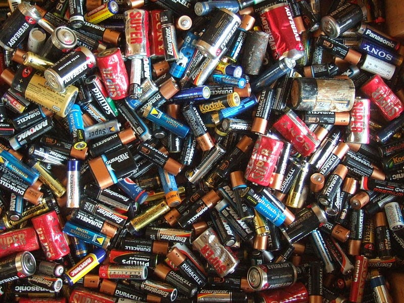 19 Things You Should Never, Ever Throw In the Trash!! - Batteries