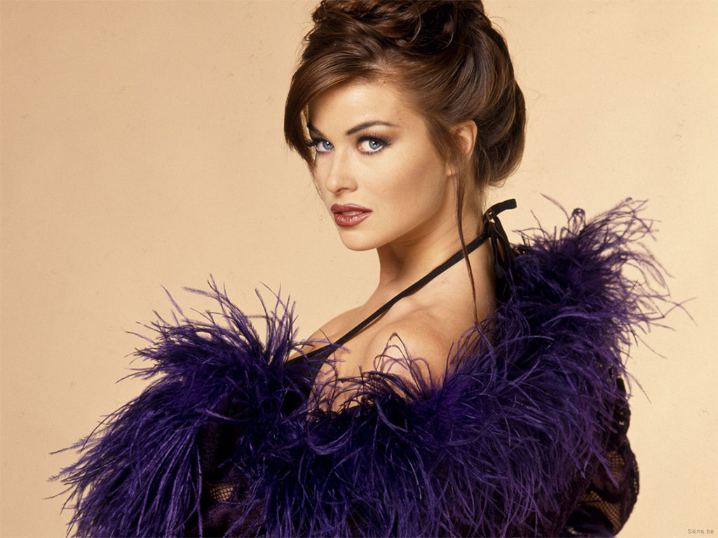 Celebrities of 2012: Carmen Electra Hot