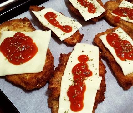 pechugas de pollo rebozadas con sabor a pizza