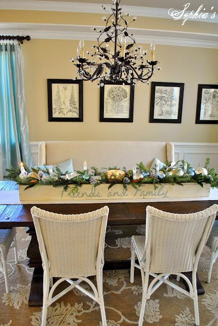 Sophia 39 s an easy christmas centerpiece for Simple dining table centerpiece ideas