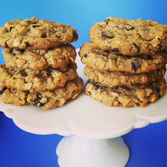 Peanut Butter and Oatmeal Chocolate Chipsters