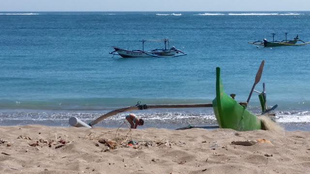 Barcos balineses en Kuta Sur