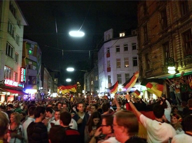 Weltmeister, Deutschland, WM, Pokal, Schland, Frollein Pfau, Zülpicher Straße, Köln, Mmi, Mittwochs mag ich