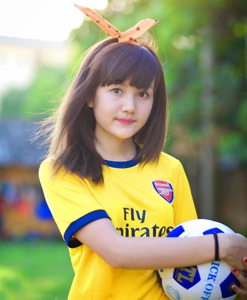 Nữ sinh dân tộc Mông đẹp như thiên thần