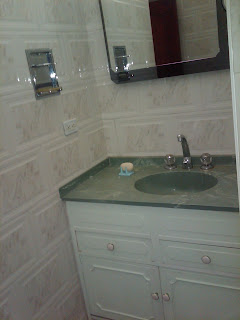 restroom picture of furnished flat in Bogota Colombia