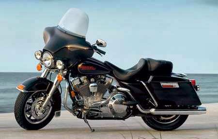Harley-Davidson FLTR Road Glide Bikes Images
