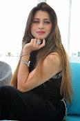 Farah khan glamorous photos-thumbnail-15