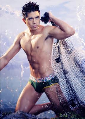 Paulo Avelino underwear