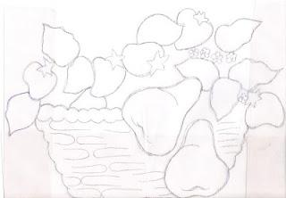 cesta com peras e morangos