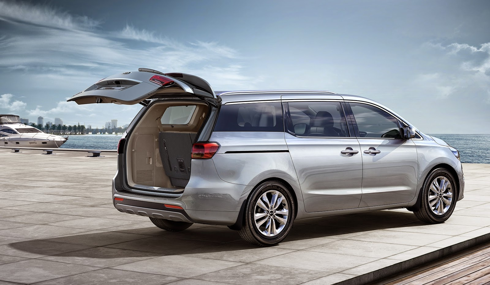 a review of the all new 2015 kia grand carnival. Black Bedroom Furniture Sets. Home Design Ideas