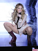 best Miley Cyrus pictures on music concert 03