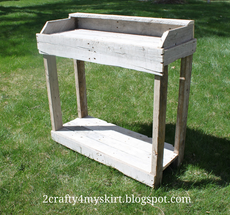 DIY Potting Bench From Pallets