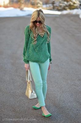 Green Dot Shirt And Off Blue Pent
