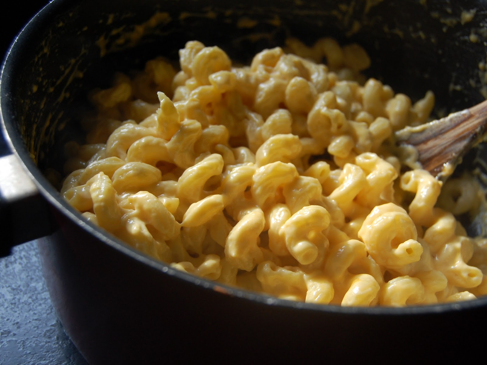Cassie Craves: Creamy Stovetop Macaroni and Cheese