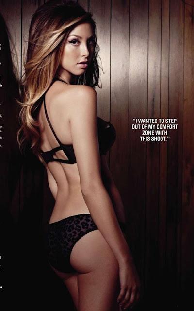 Whitney Portsexy in black bikini