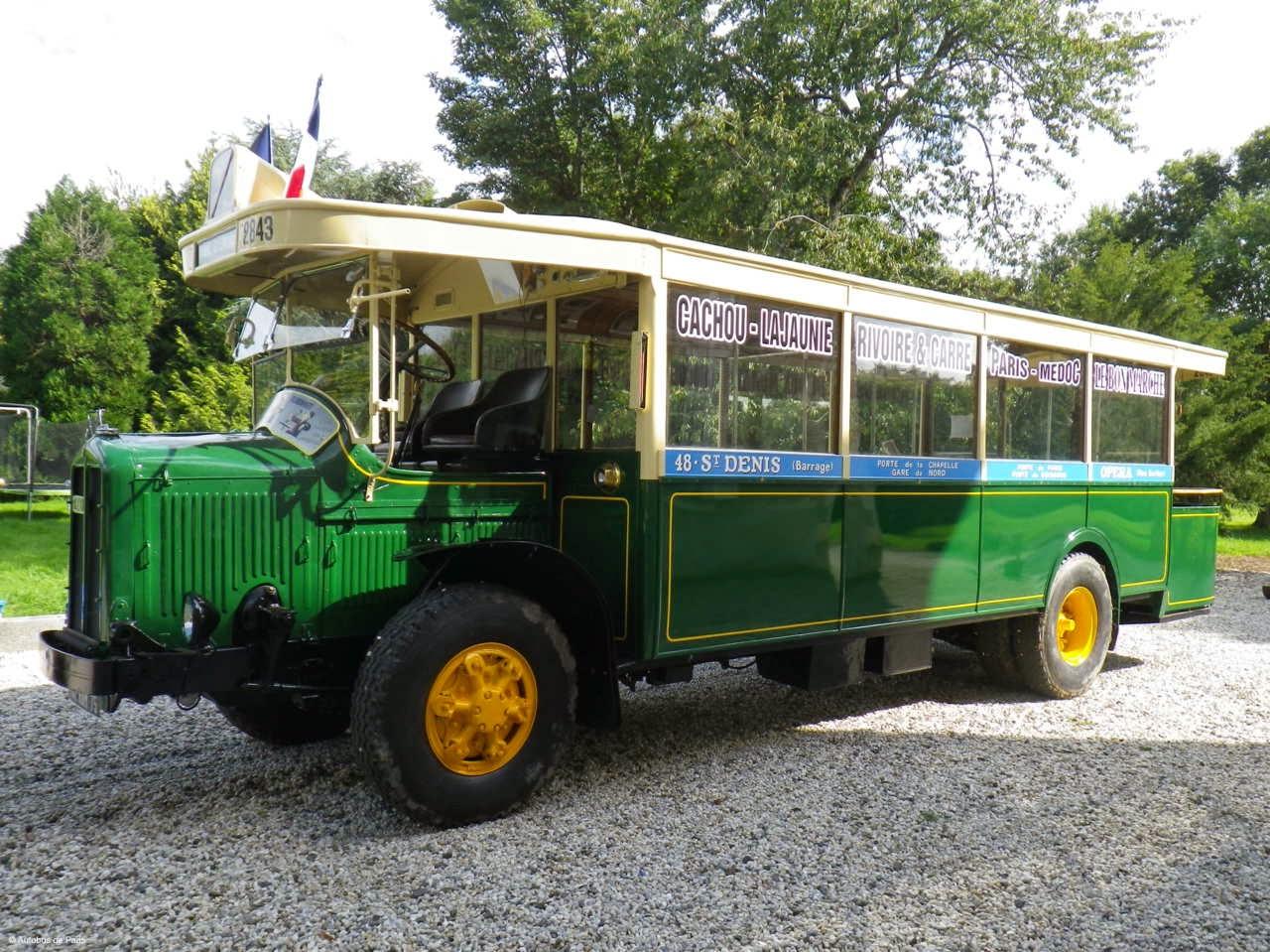 Des balades dans des bus anciens à Paris pour les Journées du patrimoine.