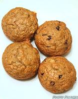 http://foodiefelisha.blogspot.com/2013/05/skinny-banana-muffins.html