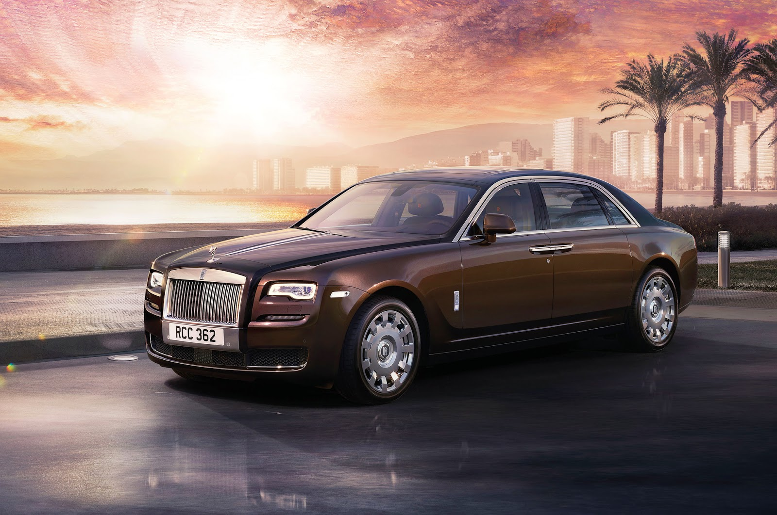 2015 Rolls-Royce Ghost Series beach Wallpaper