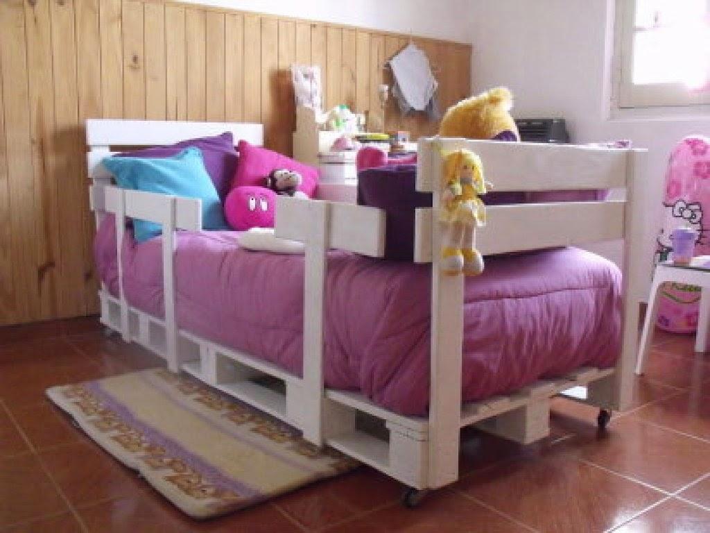Decora hogar 28 fotos de decoraci n ecol gica con muebles - Muebles con palet ...