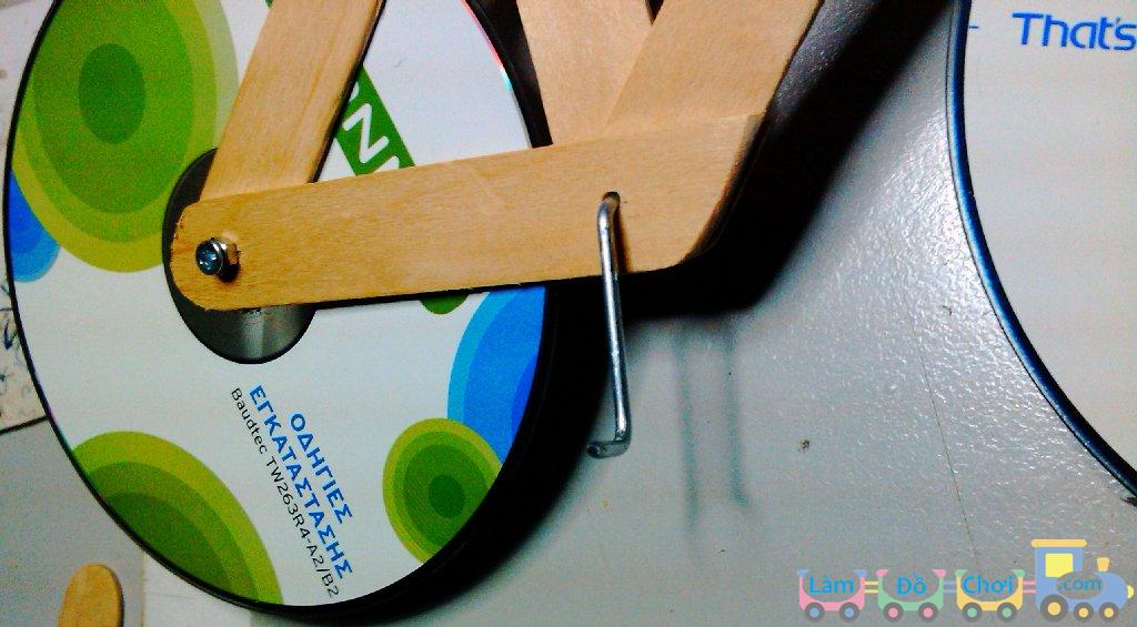 Xe Đạp Đồ Chơi Handmade Từ Que Kem Và Đĩa CD 2
