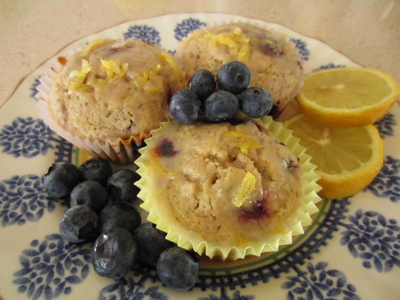 Sisters Do Food and Fitness: Blueberry Lemon Poppy Seed Muffins