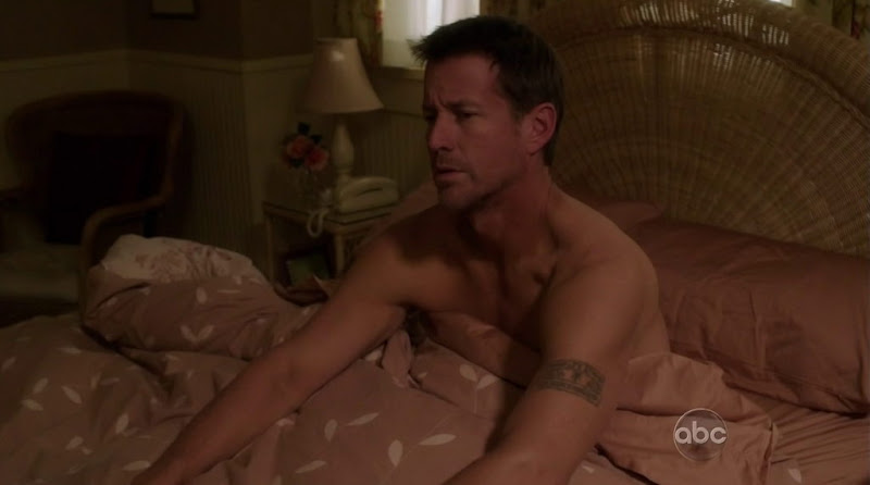 James Denton Shirtless in Desperate Housewives s8e10
