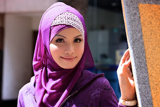 Tips Cara Memilih Warna Jilbab Sesuai Warna Kulit