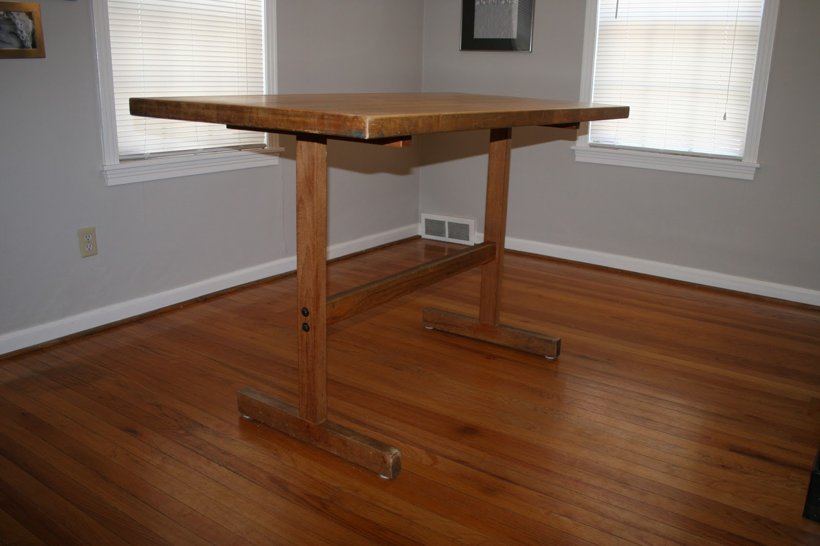 Rcd woodworks kitchen table refurb july 4 2012 for Table th 00 02