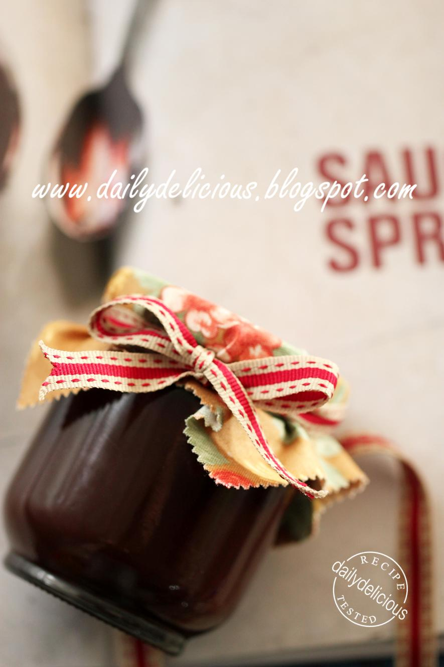 dailydelicious: Chocolate Spread: Delicious gift from your kitchen.