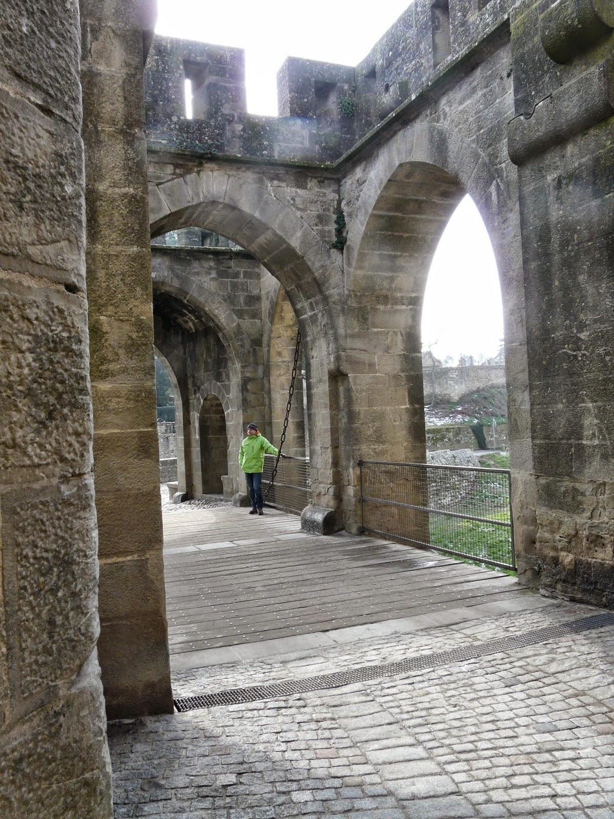Los ciutadins pont levis et porte narbonnaise for Porte narbonnaise