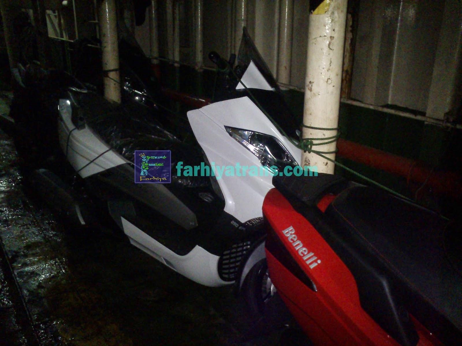 Pengiriman 3 unit sepeda motor scooter Benelli dari Surabaya tujuan Makassar