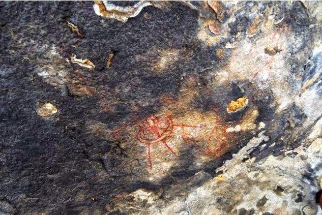 Indie: czy liczące 10 tysięcy lat malowidła przedstawiają istoty pozaziemskie?