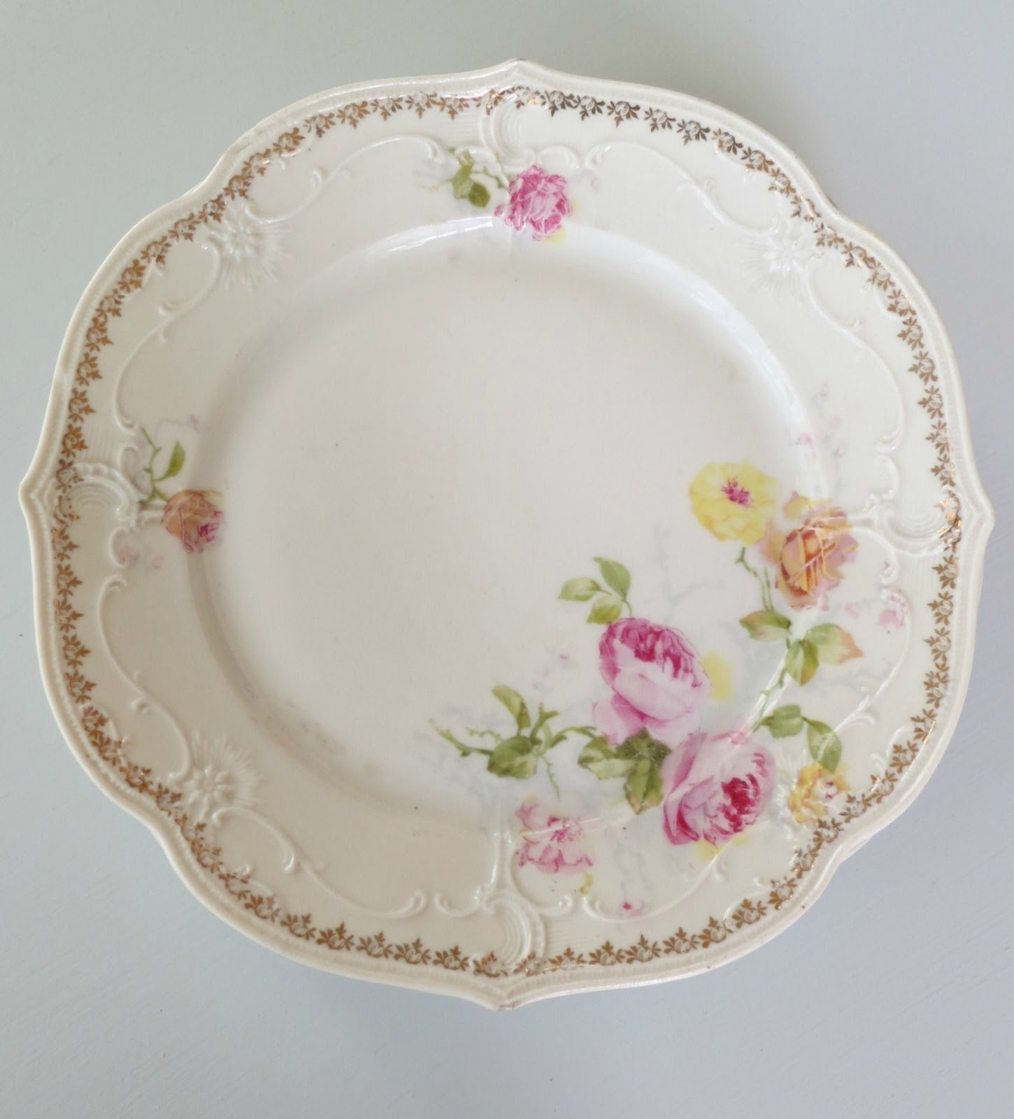 Pick out your pretty plate/plates. & The Cottager: DIY: Cake Plate