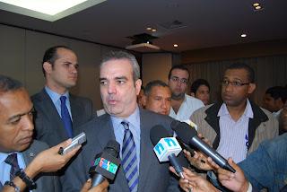 Luis Abinader hace precisión sobre Miguel Vargas e Hipólito