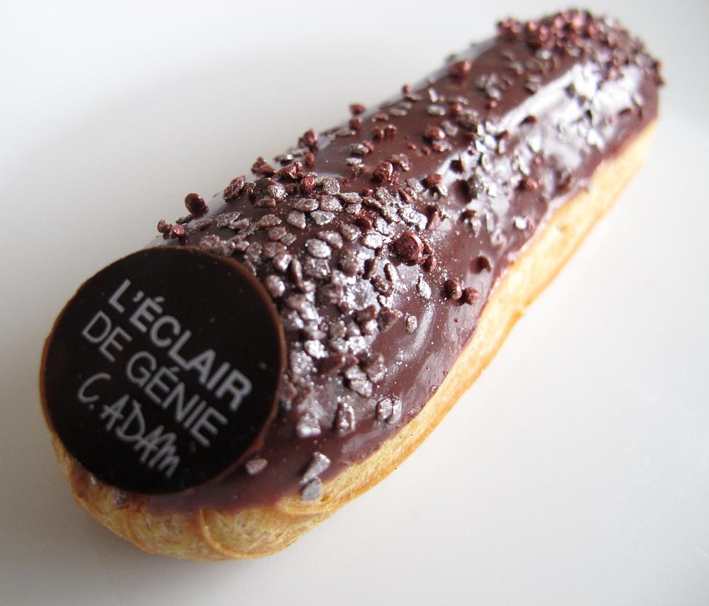 Raids p tisseries eclair de g nie christophe adam a ouvert aujourd 39 hui - Glacage chocolat pour eclair ...