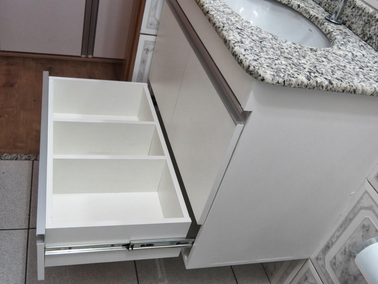 Lopes Armários Planejados: Armário para Banheiro (Padrão Branco  #59453C 1600x1200 Armario Banheiro Aluminio