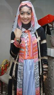 Baju Busana Muslim Rancangan Nuri Maulida