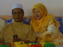 My beloved mom n dad .. :>